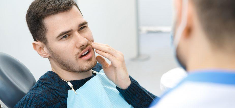czy wybielanie zębów niszczy szkliwo