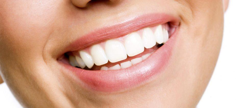 wybielanie zębów nie niszczy szkliwa